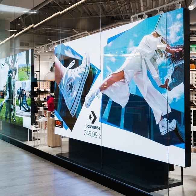 Ekrany LED dla sieci sklepów CCC