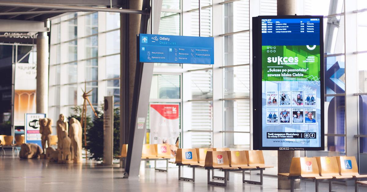 Telebim reklamowy na lotnisku